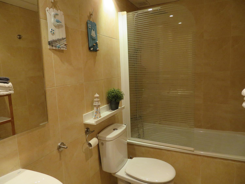 Baño aseo apartamento II Alcañiz Flats