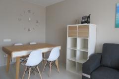 Mesa y sillas comedor apartamento II Alcañiz Flats