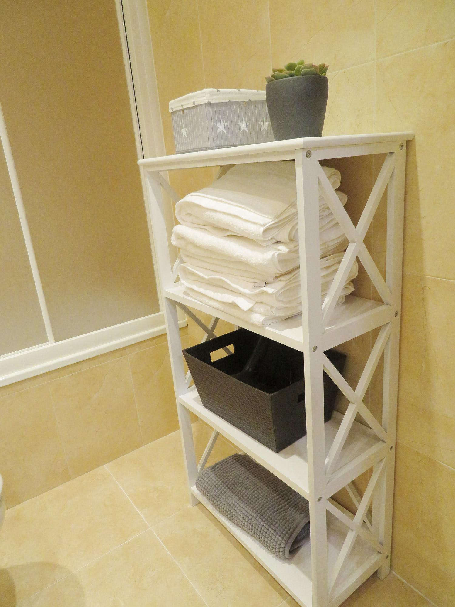 Detalle toallas baño aseo apartamento I Alcañiz Flat